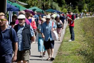 Crowds enjoy the fine weather for Hayle Celebration Day